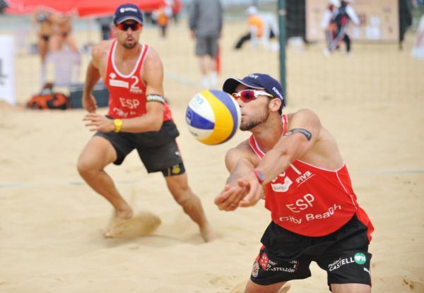 Actividades ecológicas al aire libre - Hacer deportes en el parque o la playa
