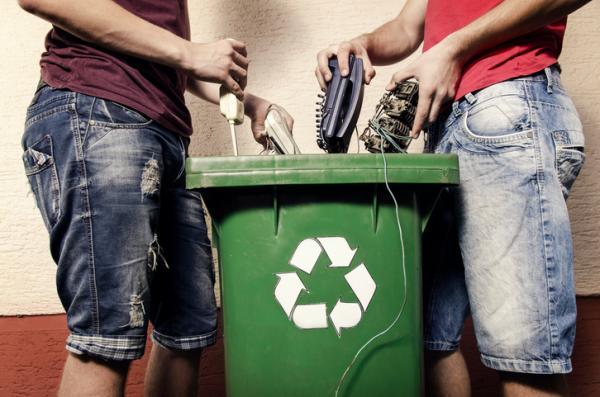 Cómo influye el hombre en el deterioro del medio ambiente - Residuos electrónicos que deterioran el medio ambiente