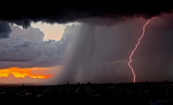 Qué es una tormenta eléctrica dispersa - Qué son las tormentas eléctricas dispersas y aisladas