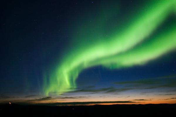 Cómo se forma la aurora boreal para niños