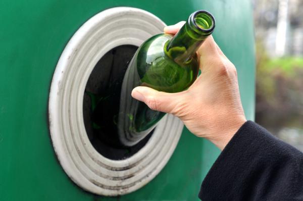 Cuánto tarda en degradarse el vidrio - Cómo reciclar el vidrio - ¿en qué contenedor va?