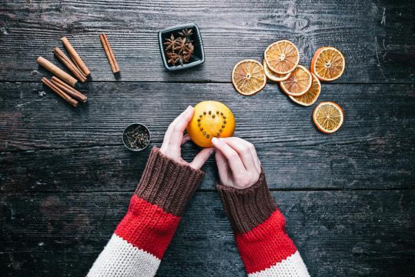 Cómo hacer ambientadores caseros - Ambientador casero de naranja y clavo de olor