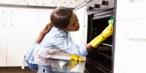 Cómo limpiar el horno de forma natural