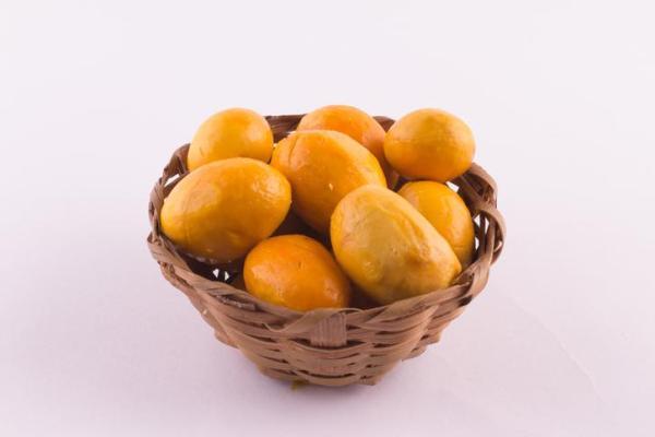 30 nombres de frutas tropicales raras - Pequi
