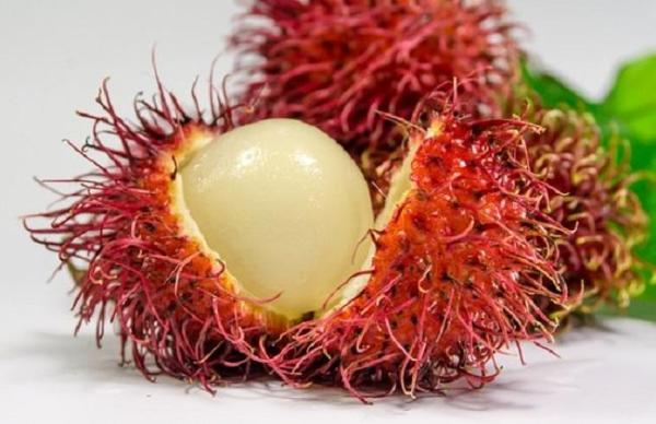 30 nombres de frutas tropicales raras - Rambután