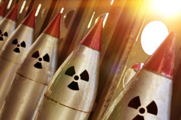 Ejemplos de energía nuclear - Armas nucleares y otras aplicaciones militares