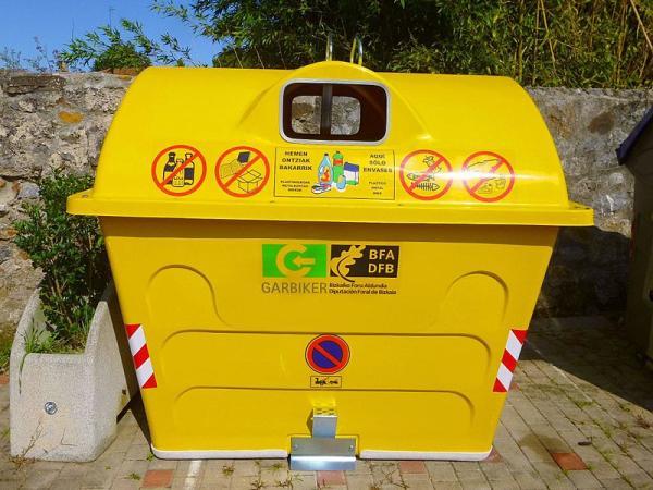Cómo reciclar plástico en casa - El plástico va al contenedor amarillo