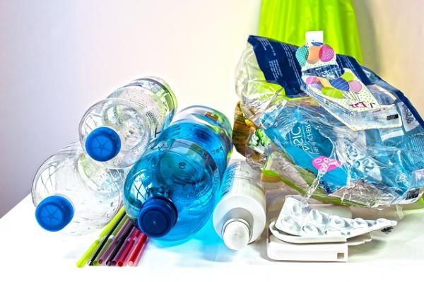 Cómo se recicla el plástico - Cómo reciclar plástico en casa