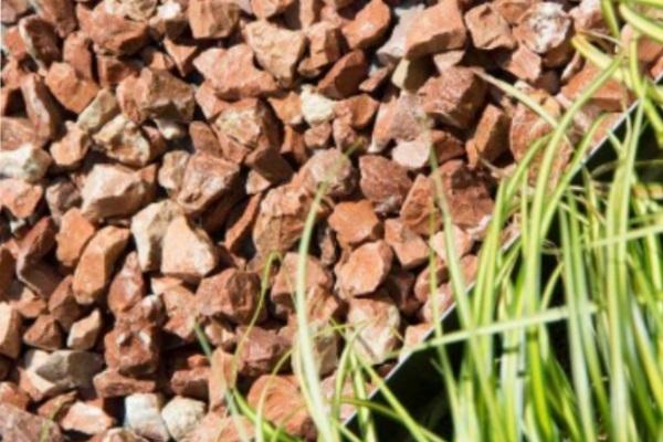 Cómo construir un camino de grava en el jardín - Dónde comprar la grava para hacer caminos de piedra en el jardín