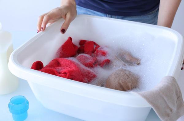 Qué cantidad de detergente usar para lavar la ropa - Soluciones naturales