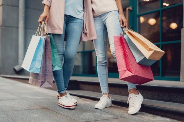 Consumismo: qué es, tipos, ejemplos y consecuencias - Qué es el consumismo y sus causas