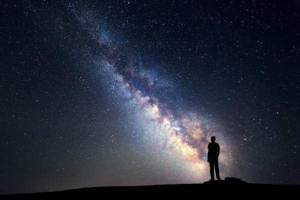 Diferencia entre planeta, estrella y satélite natural - En qué se diferencia una estrella, un planeta y un satélite